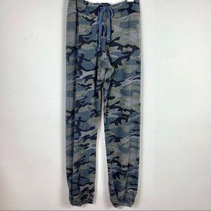 Sundry Camo print sweatpants size 0